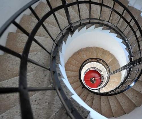 La escalera que sube al faro