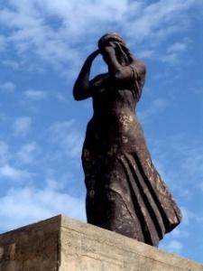 Monumento erigido en honor de Santa Salsa