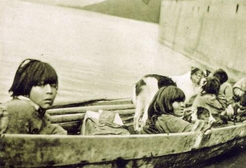 Una de  las últimas fotografías del pueblo chono