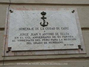 Placa conmemorativa situada en la ciudad de Cádiz, en honor a Jorge Juan