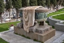 Mausoleo de Isaac Peral, en el cementerio de Cartagena, su tierra natal