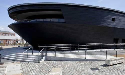 El nuevo edificio que alberga los restos del Mary Rose