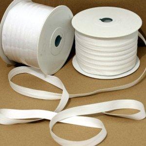 Balduque blanco, cinta utilziada para sujetar los documentos sin que éstos se deterioresn