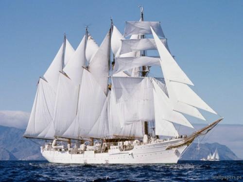 barco-a-vela-branco-1024x768