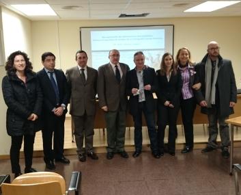 Miembros del Tribunal, directores de la tesis y nueva doctora