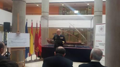 El delegado del Ministerio de Defensa, agradeciendo la iniciativa