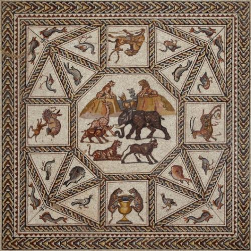 El mosaico central. En las esquinas se pueden apreciar motivos marinos