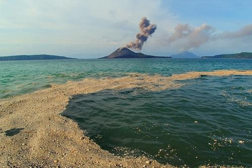 al lado de un volcán. Fuente.