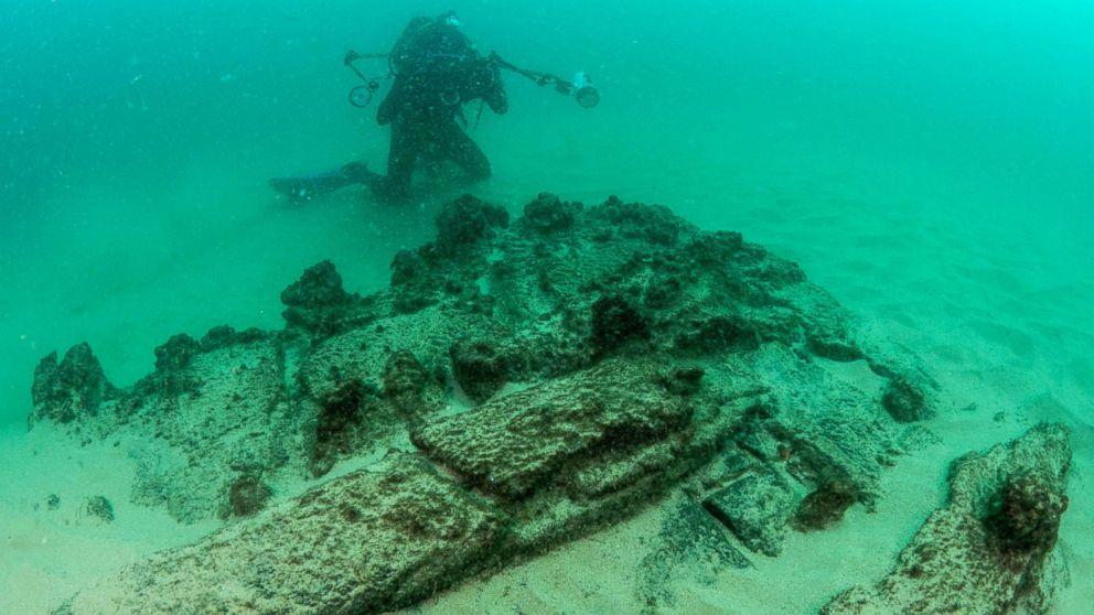 shipwreck-portugal-01-gty-jef-180925_hpMain_16x9_992