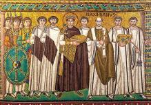 Justiniano, emperador de Bizancio, vistiendo ropa colo púrpura